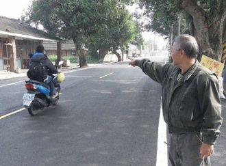 民雄鄉三興村1月發生大學生騎車撞死人悲劇,當地大學生騎機車連安全帽都不戴。  記...