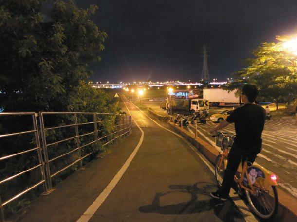 北市府水利處將體檢全市河濱自行車道,尤其是斜坡和彎道處的安全。 記者吳曼寧╱攝影