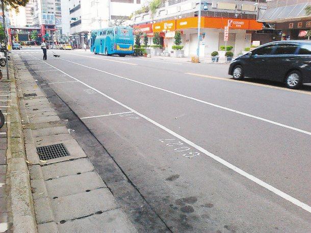 本報願景在地反映,民眾希望路邊停車格上午7點改8點收費,交通局表示一定會將低停車...