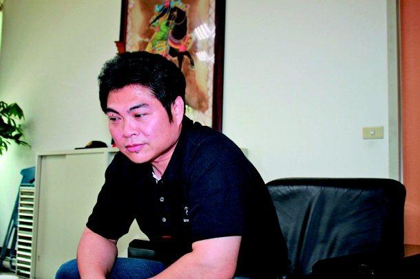 桃園警分局偵查隊長鄧中義,回憶國二時數學科吳老師,內心滿是感恩。 記者楊德宜╱攝...