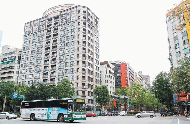 位於台北市的尚華仁愛大樓是自主都更的成功範例之一。 (聯合報系資料庫)