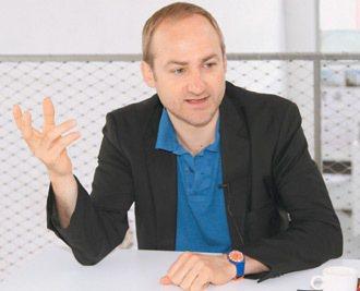 實習生帶來新活力,也為事務所帶來課堂上的新資訊。──Group 8創辦人伯恩尼曼...
