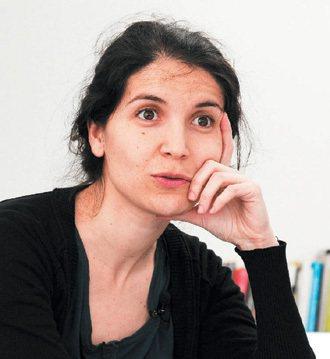 30歲的貝塔具有建築師資格,但公定四十五歐元的時薪,她只拿到3歐元。 特派記者鄭...