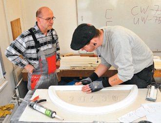 無法順利在雙軌職訓中找到工作的學生,接受建築裝飾訓練。 特派記者鄭超文/德國攝影