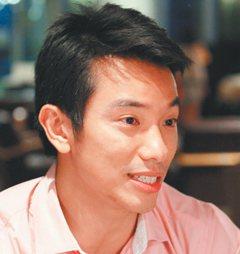 陳俠中 新加坡 28歲新加坡管理大學經濟系送新鮮人一句話:做你想做的,但...
