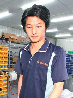 台灣/十年磨實力 他的機器年賣億元