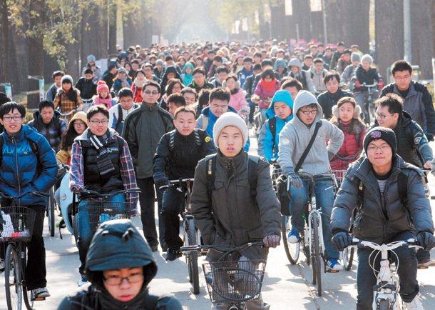 大陸全國累計有一百五十餘萬名海外留學生,回流人數超過二十餘萬人,為大陸教育和學術...