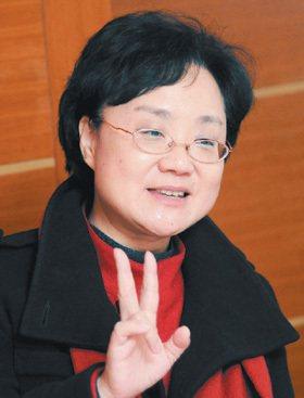 康乃爾藝術博士顏海平,身兼上海交通大學講席教授及媒體文化和社會發展高等研究院院長...
