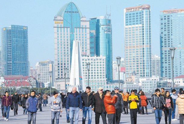 對中國來說,搶人才是急迫的大事,絕對不惜重本「全拿」。 記者盧振昇╱攝影