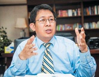 教育部長蔣偉寧指出,教育部修法,致力縮短學用落差。 記者楊萬雲╱攝影