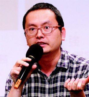 多背一公斤創辦人余志海(圖)等人到場分享經營社企經驗。 記者黃義書╱攝影