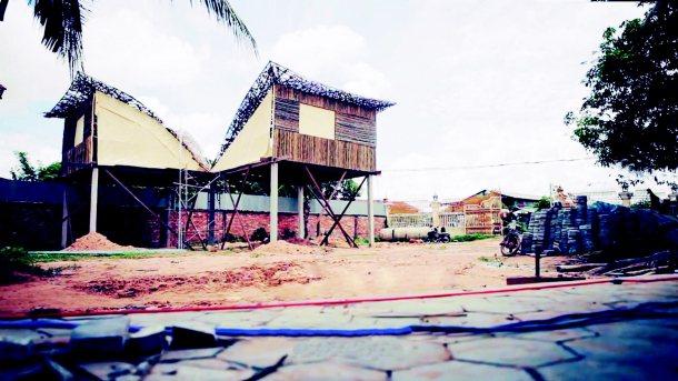 柬埔寨綠色孤兒院,是由「以立國際」社企安排五百名台灣志工接力出國完成的。 圖╱以...