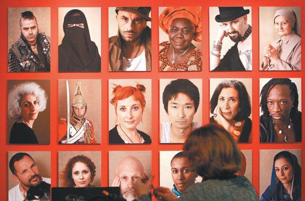 面對膚色、服裝、信仰各異的各式族群,多元、包容是世界公民的基本修養。 記者陳柏亨...
