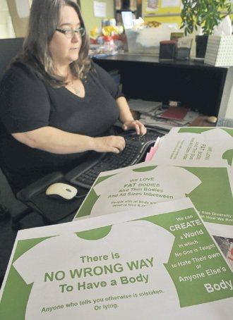 卡拉米蒂曾因體重受歧視,她現在鼓吹「任何身體都沒有錯」。 記者林澔一/加...