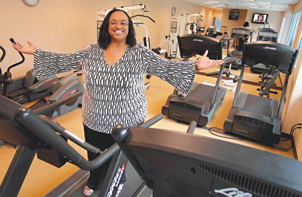 健身教練麗莎‧提勒說,有人介意「胖」這個字,我們就用「大尺碼」。  記者李賢霖...