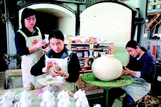 趙家三兄弟各有擅長,各司其職,讓趙家窯的名號越來越響亮。 記者陳宏睿╱攝影