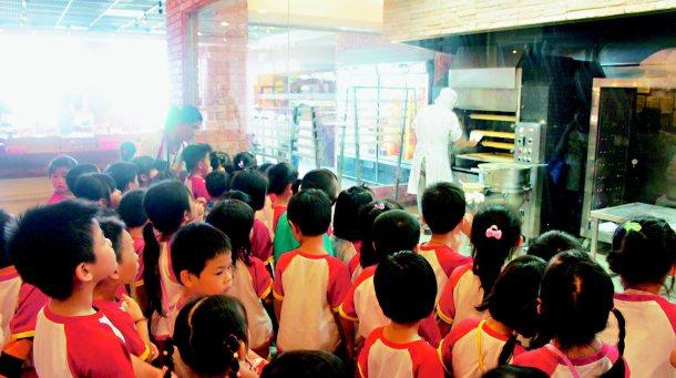 亞典菓子工場每年吸引六十二萬人次到宜蘭觀光。 記者張念慈╱攝影