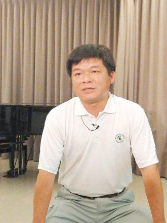 楊道鑌讓彰化縣上萬名學童,都能快樂學習小提琴。 記者江良誠、劉明岩╱攝影