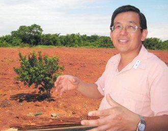 空地上的小苗終有一天會成大樹,如同邱家淮為路得啟智學園的努力。 記者徐如宜╱攝影