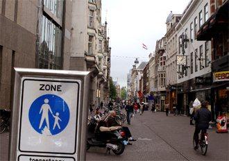 海牙擁有荷蘭最大的行人徒步區,不准汽車進入,商家反而生意變好。 特派記者曾吉松/...