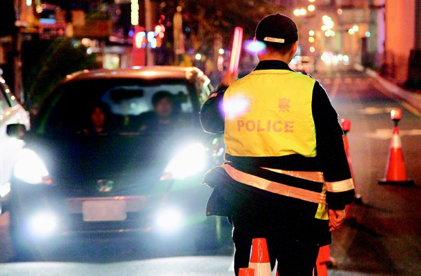 酒駕刑度加重,酒測值也從嚴, 圖為警方執行酒駕攔檢勤務。 記者廖國隆╱攝影