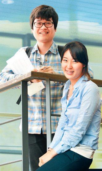 李善慶(右):期待的年薪是418萬,希望將 來到中國大陸工作,根本不怕人才競爭...