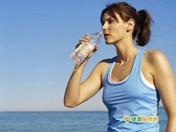 減肥小撇步 餐前喝水減重不復胖