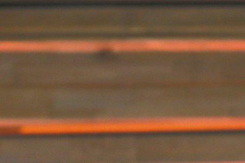 哈里遜福特墜機引起全球媒體關注,雖然他的發言人與兒子都希望外界不用太擔憂,表示他應可以完全康復,小他22歲的妻子卡莉絲塔芙洛哈仍被拍到明顯憂心忡忡的表情,她也已帶著養子連恩前往醫院探視。「時人」雜誌...