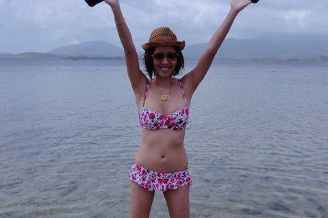 2009年得過亞洲小姐殿軍的女星劉伊心,昨天在微博分享新年假期到澳洲及菲律賓旅遊的比基尼美照,並開心留言:「結束了,菲律賓巴拉望+澳洲充滿陽光的瘋狂年假,終於要開工囉!好想趕快工作喔!再不工作,覺得...