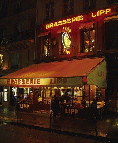 聖哲曼大道上的BRASSERIE LIPP,是巴黎十分典型的小酒館。