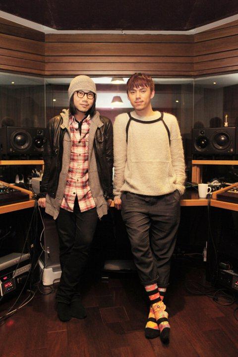 才子HUSH以「克卜勒」一曲,成天后孫燕姿專輯主打,如今他將出道,五月天瑪莎鼓勵HUSH重唱「克卜勒」,並擔任該首歌單曲製作人。