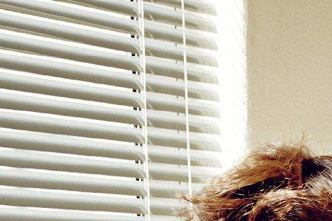李鍾碩和金宇彬同為1989年生,2人初次見面時,金宇彬喊李鍾碩前輩,其實論出生日期,李鍾碩還比金宇彬晚2個月出生。(有嗎?有嗎?犬編看歐巴就是一白嫩年下男啊~看鍾碩歐巴為《CeCi》雜誌拍的寫真,多...
