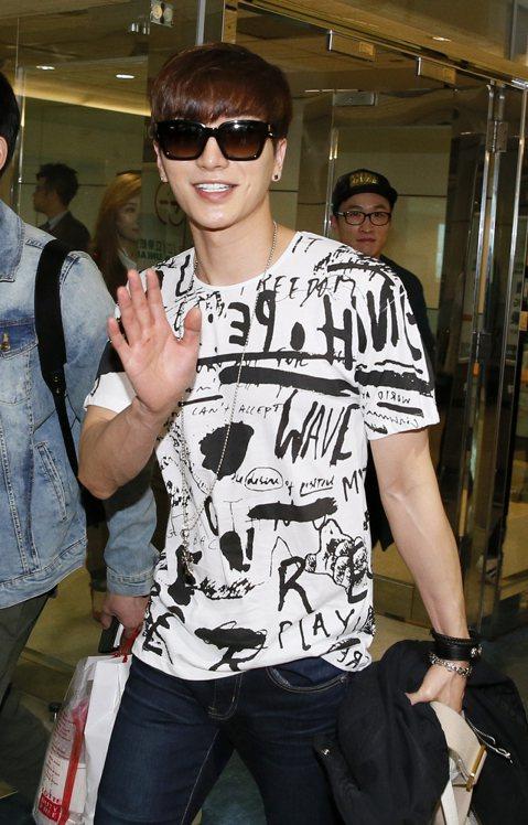 韓國SMTOWN 家族演唱會台灣場將於明天(3月21日)在新竹體育場舉行,Super Junior隊長利特先抵台。
