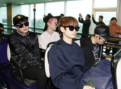 韓國SMTOWN 家族演唱會台灣場將於明天(3月21日)在新竹體育場舉行,,SHINee今天下午抵台。
