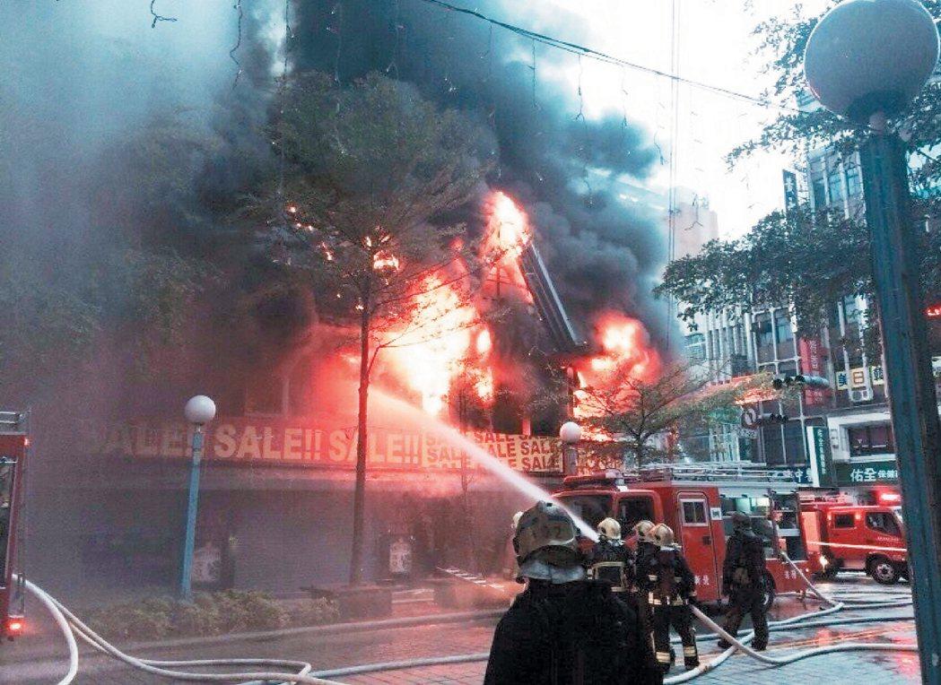 人力和裝備不足,是消防單位亟待解決的問題。 報系資料照