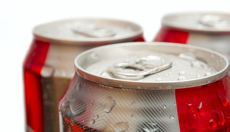 嗜糖成癮的男子因天天都要喝汽水或含糖飲料,被檢查出「第二型糖尿病」。 示意圖/i...