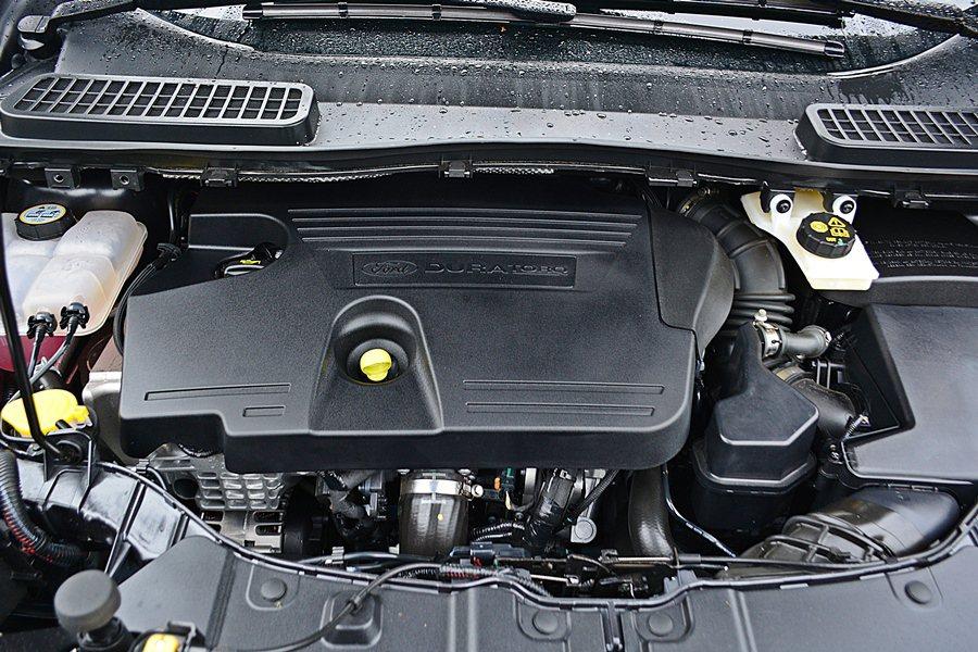 全新引進的Kuga 2.0TDCi柴油動力,最大馬力180匹,最大扭力40.8公...