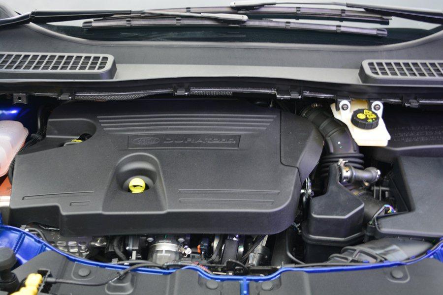 新增Kuga 1.5 EcoBoost,結合渦輪增壓缸內直噴與雙獨立變正時汽門,...