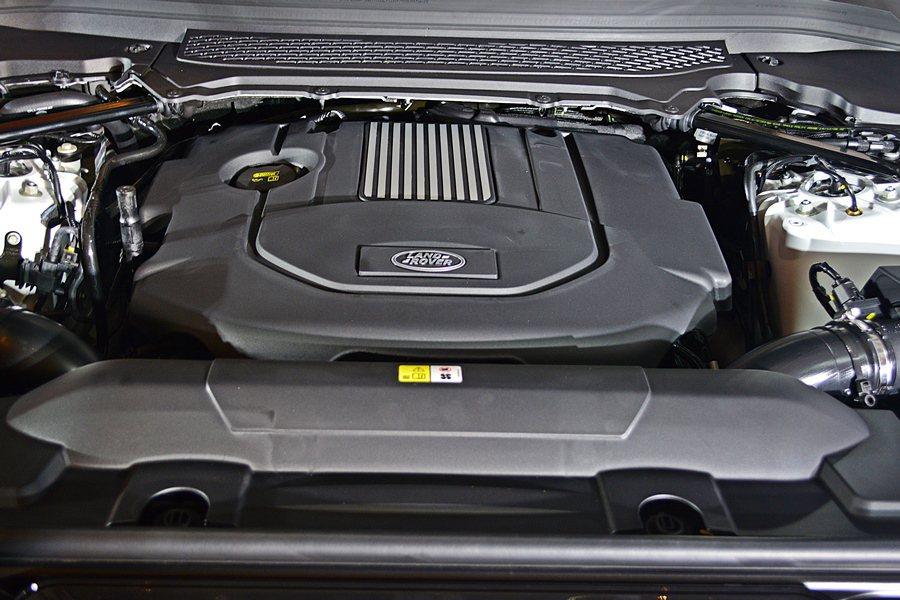 Range Rover Sport Diesel Hybrid搭載一顆六缸3.0...