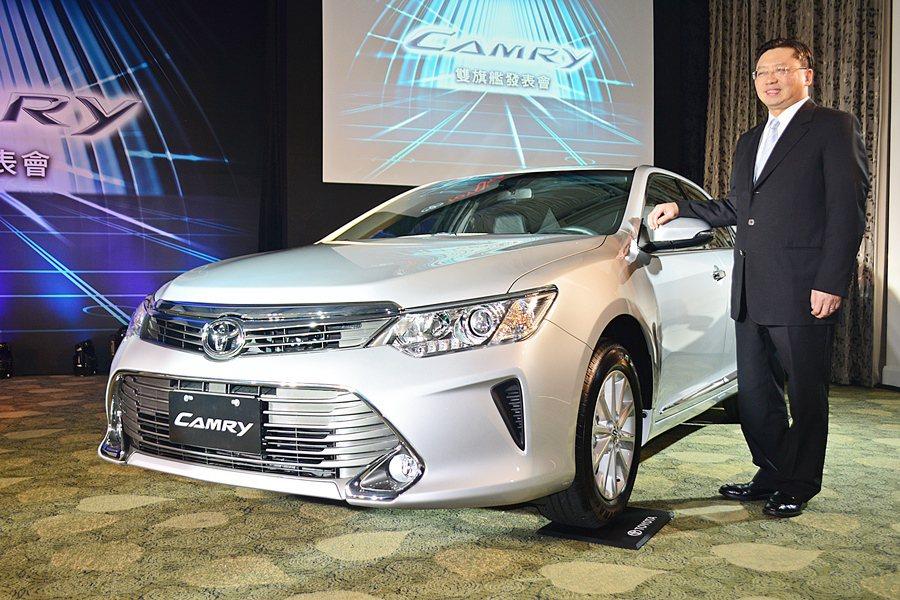 TOYOTA Camry發表會由和泰汽車總經理蘇純興主持,由於大型車需求減少,C...