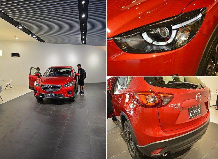 2016年式的CX-5提前曝光,有全新的特大水箱護罩,柴油車款將原本的燈具設計進...