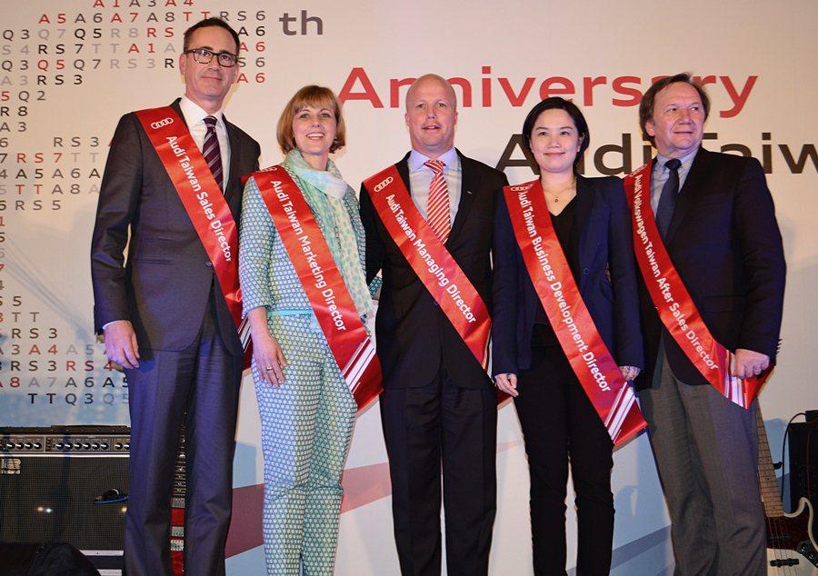 2015年台灣奧迪有全新的管理團隊,由裁總Ryan Searle帶領(中立),包...