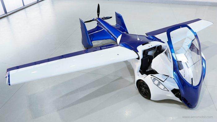 Aeromobil 3.0飛天車可於草地上輕鬆起降,且僅需210公尺的距離即可完...