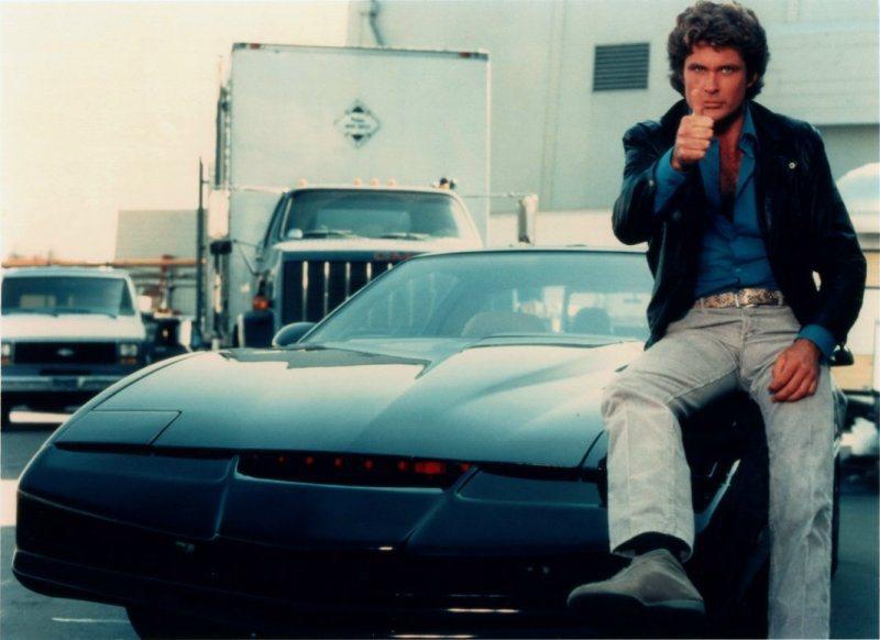 80年代美國影集霹靂遊俠中的智慧車以Pontiac Firebird為藍本,具自...
