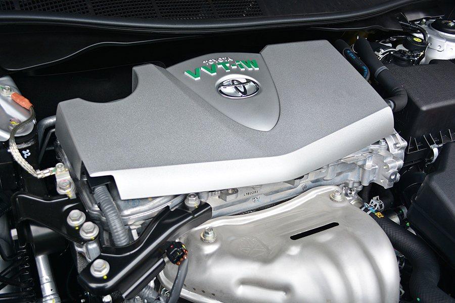 2.0L搭載是稱職實用的引擎動力,結合D-4S燃油多重噴射,加上原有VVT-iW...