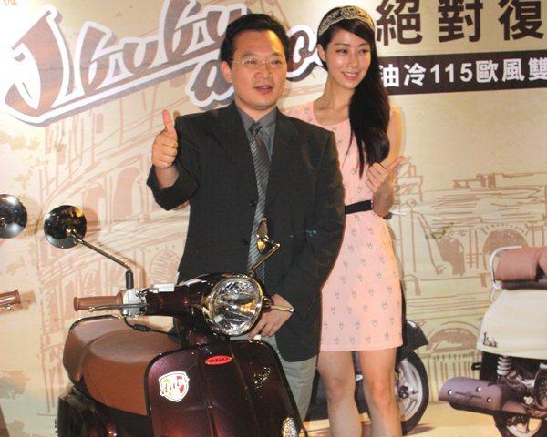 PGO內銷業務處副理蔡博丞(左)表示,PGO非常注重產品品質。 林和謙