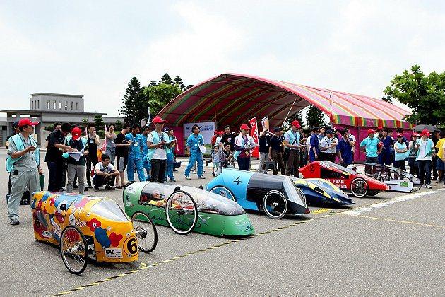 第21屆環保節能車大賽,吸引全國29隊環保車隊伍參賽。 中華民國自動機工程學會