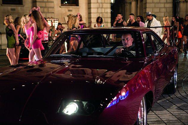 Dodge Charger Daytona經典現身。 環球影片