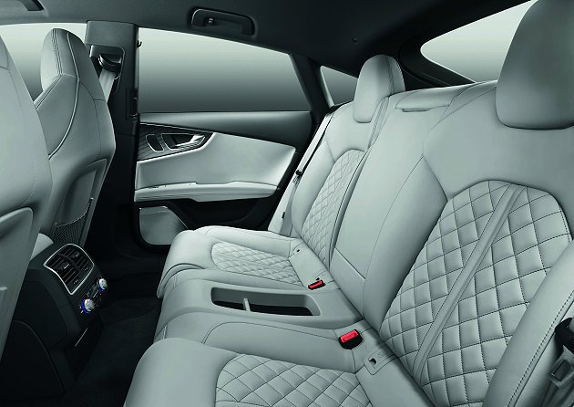 Audi S7典雅與科技並存的車室內裝,也於電影鋼鐵人3中強力播送。 Audi