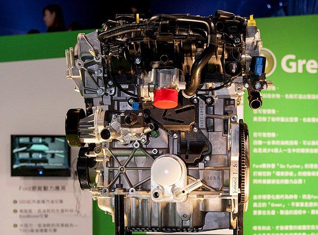 兩款搭載缸內直噴、渦輪增壓與雙獨立可變汽門正時的EcoBoost 引擎:1.6L...